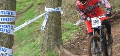 Ae Forest Downhill Mountain biking - Paul Barnes makes a good showing in the Senior Men