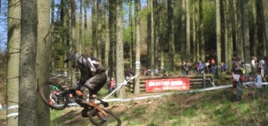 An early rider showboating on the bottom double at Ae Forest