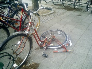 A very broken bike, but not a mountain bike.