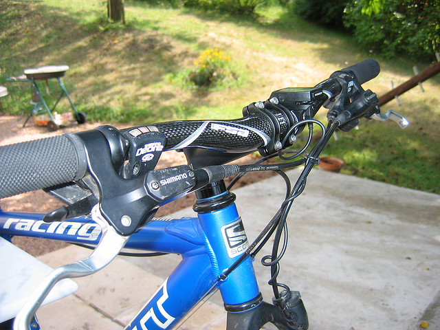 8fa7af092ee Buyers Guide to Mountain Bike Handlebars  The Types and Best Brands